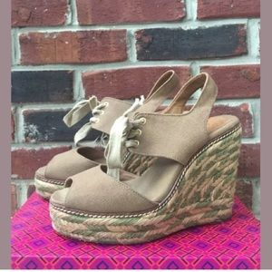TORY BURCH Espadrille Beige Canvas Wedges Lace Up